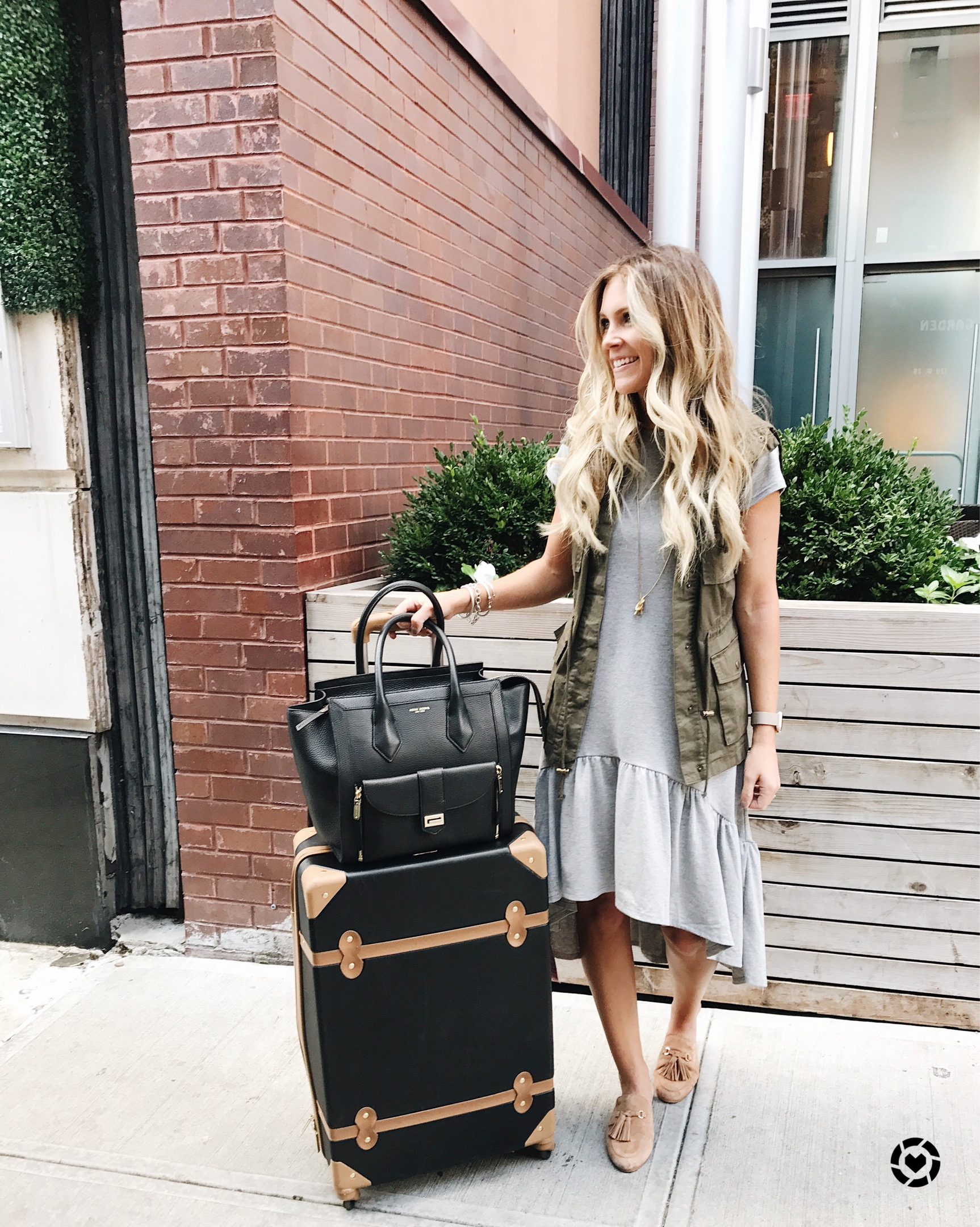 travel outfit for new york fashion week // easy travel style