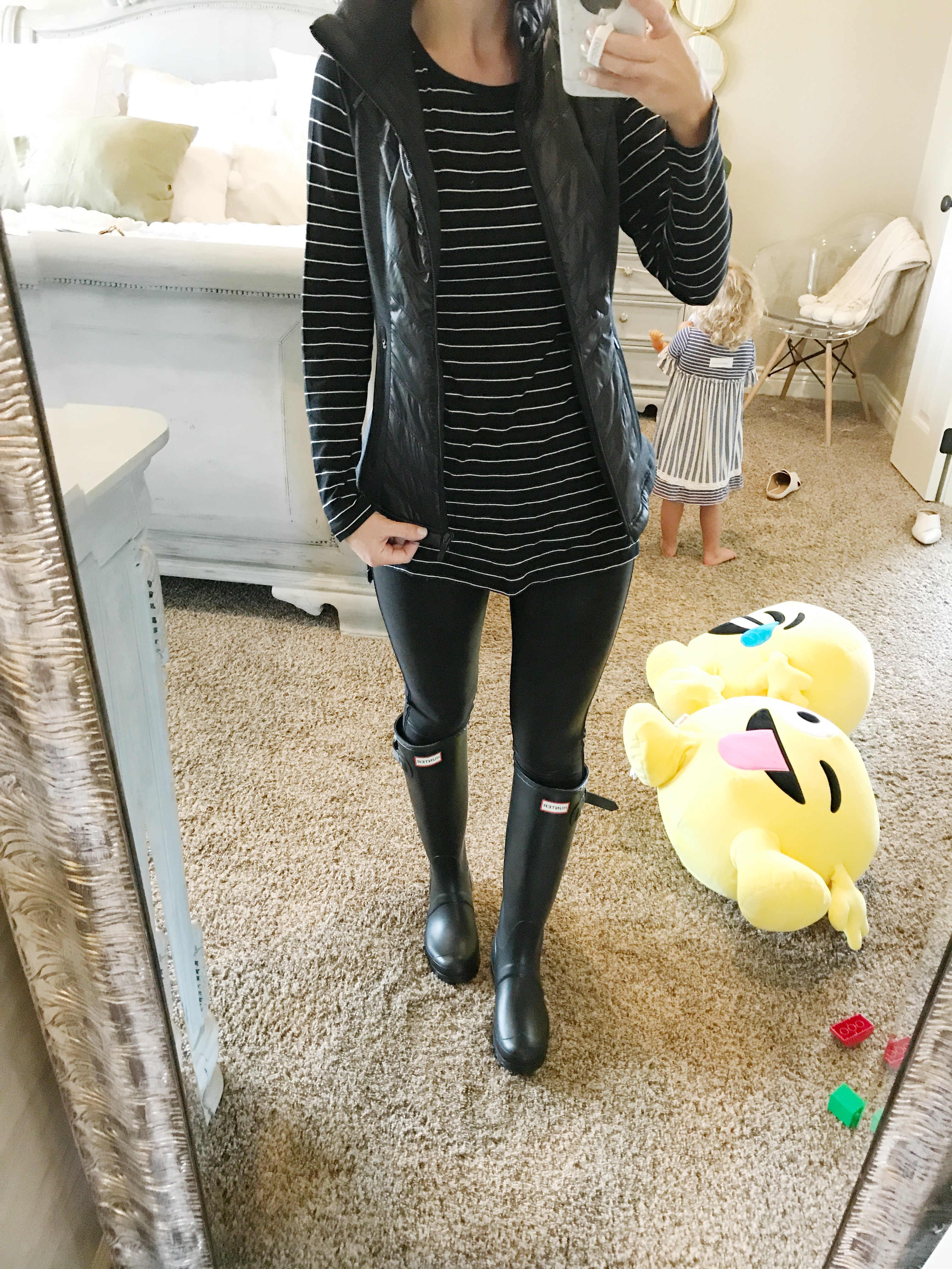 spanx faux leather leggings hunter boots