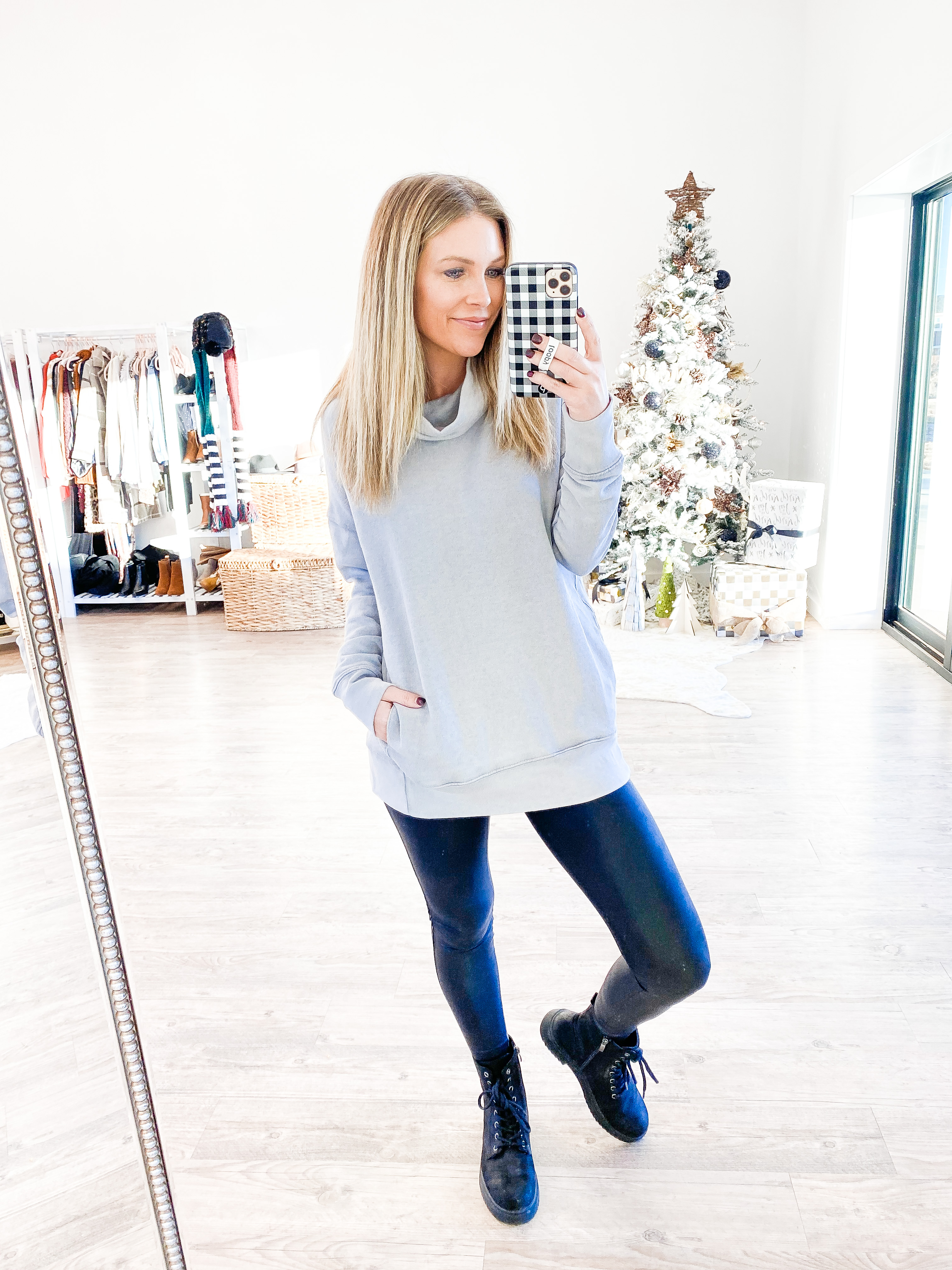 Life and Style Blogger Ashlee Nichols shares her Walmart winter fashion haul. With everyday looks that are comfortable and affordable.
